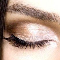 oczy głęboko osadzone- makijaż