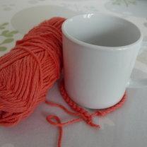 Szydełkowanie - sweterek na kubek 1