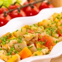 kurczak duszony z kalarepą i warzywami