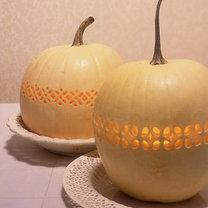 ażurowa dynia na Halloween
