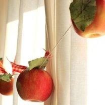 girlanda z jabłek