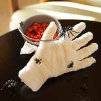 dekoracja na Halloween - ręka mumii