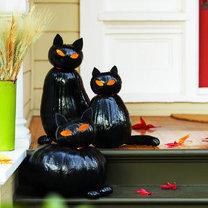 Czarne koty z dyni - dekoracje na Halloween