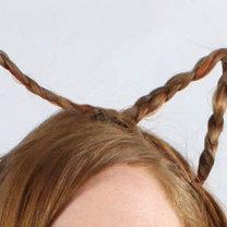 Fryzura kota - uszy z włosów