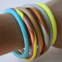 kolorowe bransoletki z gliny