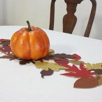bieżnik na stół z liści