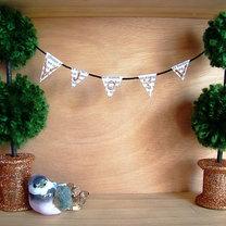 świąteczne drzewka z pomponów