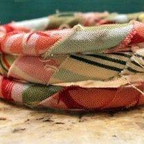Bransoletka ze sznurka i materiału
