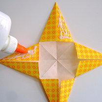 Robienie papierowej gwiazdy 7