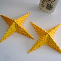 Robienie papierowej gwiazdy 10