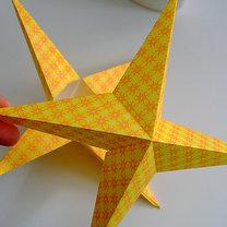 Robienie papierowej gwiazdy 12