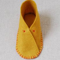 Buciki z filcu dla dziecka krok 12