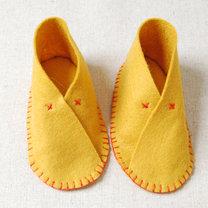 Buciki z filcu dla dziecka krok 13
