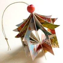 Ozdoby choinkowe z kartek świątecznych