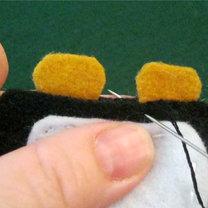 Pingwin z filcu krok 14
