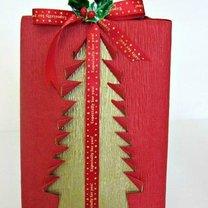świątecznie zapakowana książka