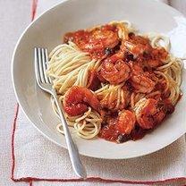 spaghetti z krewetkami i sosem marinara