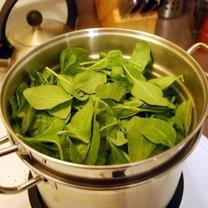 Gotowanie szpinaku