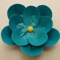 kwiat z taśmy izolacyjnej