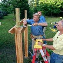 Budowa ławki ogrodowej z pergolą 7