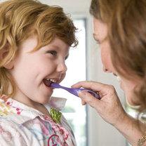 Mycie zębów dziecka