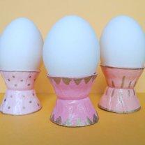 Kieliszki na jajka z wytłaczanek