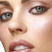 makijaż modelujący twarz