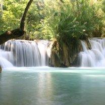 Wodospad w Laosie Kwang Xi