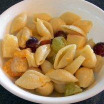 Jak zrobić sałatkę owocową z makaronem