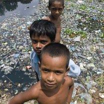 Dzieci na zdjęciu