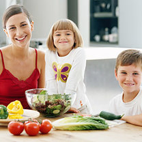 Zdrowo odżywiająca się rodzina
