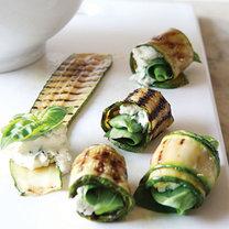 roladki z cukinii z ziołami i kozim serem