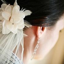 Kwiatek we włosach