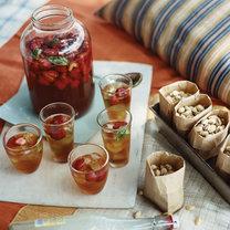 herbata z truskawkami i bazylią
