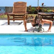 Ćwiczenia przy basenie