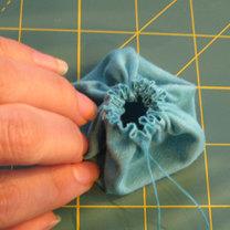 kwiatki z materiału - krok 8