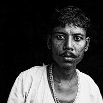 Fotografia oczu Romesh Dhamija