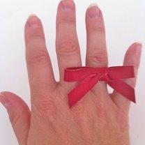 pierścionek z kokardką