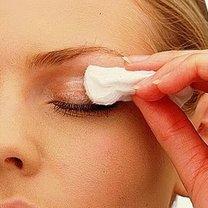 demakijaż oczu