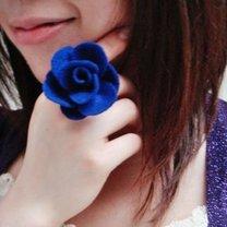 pierścionek z kwiatkiem z filcu
