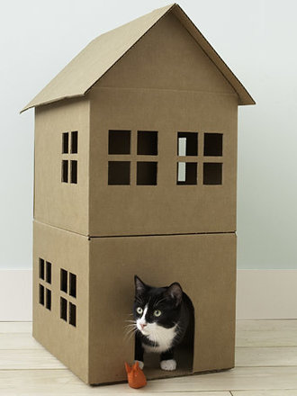 61bfd0299f2683 Jak zrobić domek dla kota z kartonu?· - porada Tipy.pl