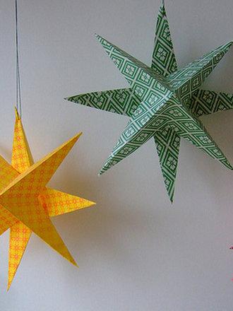 Gwiazdy z papieru na choinkę