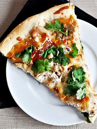 Pizza z kurczakiem po tajsku