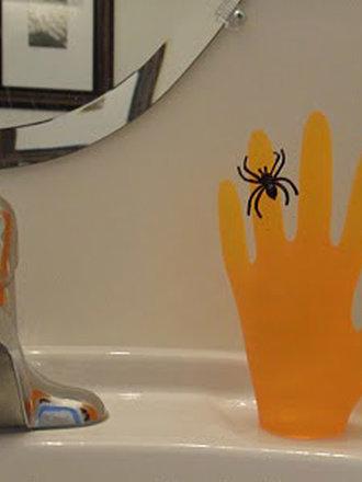 ręka z mydła
