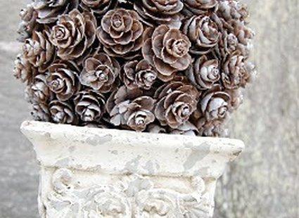 Kula dekoracyjna z szyszek krok 7