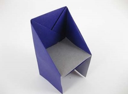 Gotowe krzesło origami