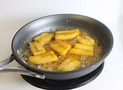 banany w karmelu - krok 4