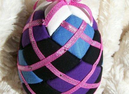 Jajko styropianowe ozdobione materiałem