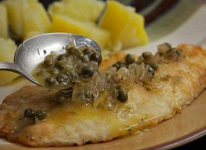 Ryba polana sosem