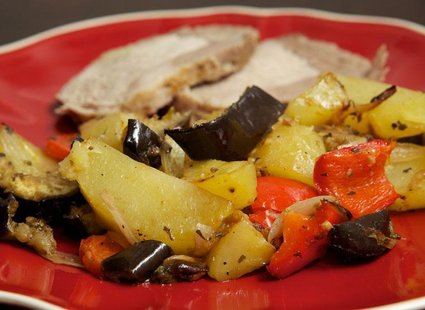 Ziemniaki pieczone z warzywami